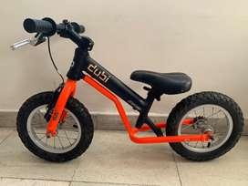 Camicleta Dubi Pro K rodado 12 + Kit Pedales Bicicleta