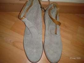 Zapatos de marca Mussi motivo viaje