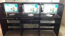 se vende combo de 3 computadores con el mueble