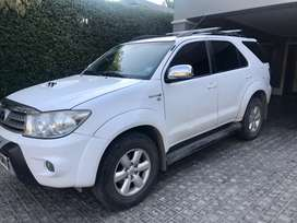 Toyota SW4  AT - 7 Asientos - 4x4