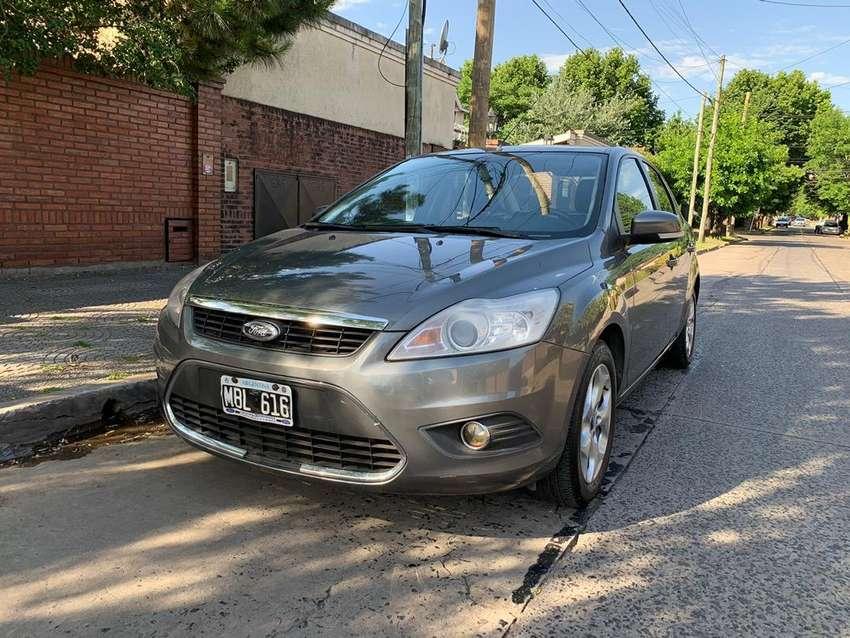 Ford focus ghia exe 2.0 con gnc 0