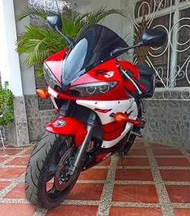Hermosa Yamaha r6s