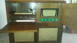 Antiguo Combinado Radio 5 Bandas, Tocadiscos De 11 Valvulas. segunda mano  José León Suárez, José León Suárez