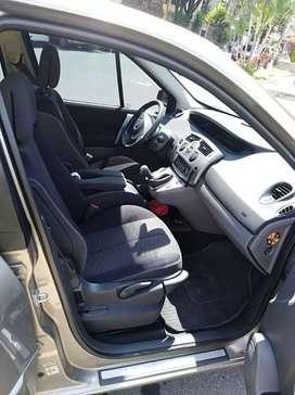Se vende Renault SCENIC 2010