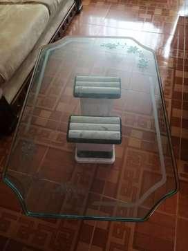 Mesa de vidrio y mármol