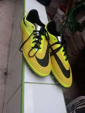 Nike Vendo chimpunes nike (talla 41)