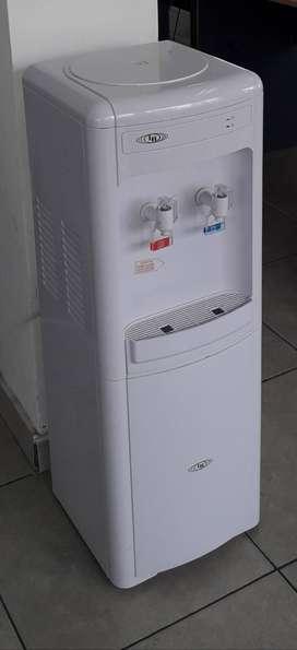 Alquiler dispenser de agua con conexión a red