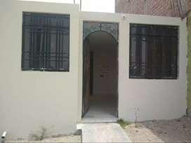 Vendo linda casa en Alto Cayma, 34 mil dólares.