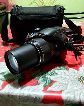 Vendo cámara Sony  DSC H400