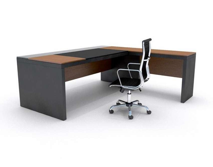 Vendo escritorio gerencial con sillon gerencial 0