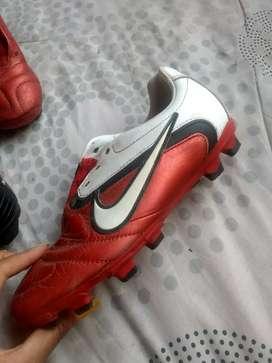 Guayos Patrick y Guayos Nike CTR360 PARA NIÑO