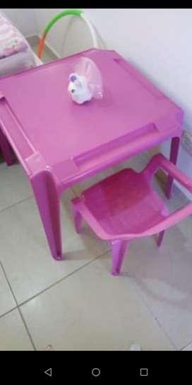 Vendo escritorio infantil, exelente estado