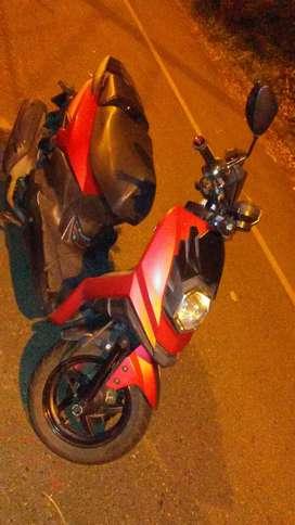 Se vende moto scuter dinami pro