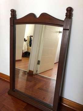 Lindo espejo de madera