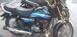 vendo moto Honda eco deluxe enterita 9 de 10 papeles hasta  6/07/2020 placas de giron muy económica para gasolina
