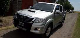 Toyota hilux srv 4x2 2014 impecable