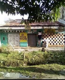 Casa en venta en la av quiñonez cuadra 49 distrito de san juan.