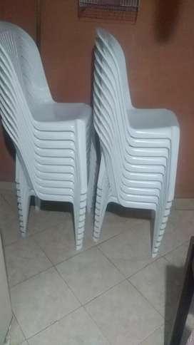 Alquiler de sillas para toda clase de eventos familiares y de amigos