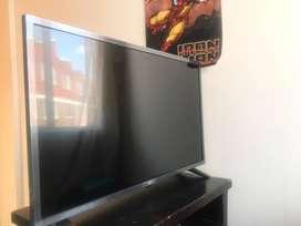 TELEVISOR SMART TV LG 32