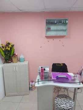 Alquilo espacio para manicurista
