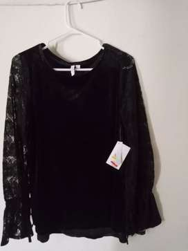 Blusa manga larga color negro