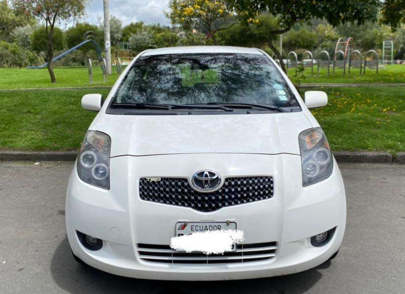 Toyota Yaris Nitro FLAMANTE 0