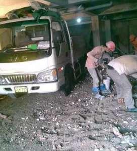 Eliminación de desmonte. Taxi carga