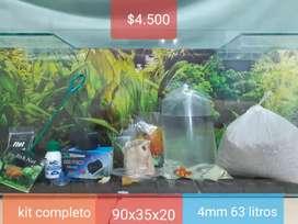 Pecera kit completo + un pez de regalo  90x35x20 4mm 63 litros