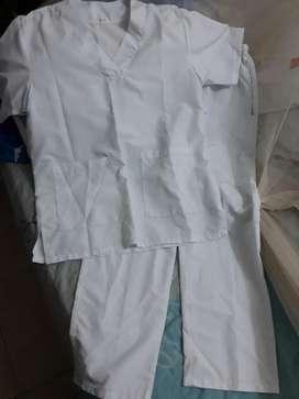 Vendo uniforme blanco enfermería hombre