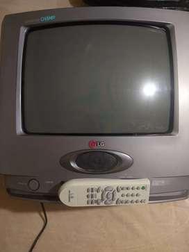 Se vende TV LG 20 pulgadas en buen estado con control remoto