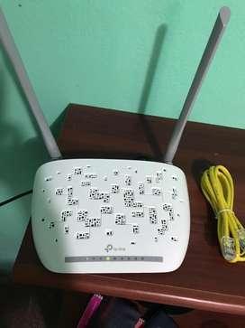 Módem router WiFi TP-link ADSL2+ 300Mbps