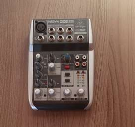 Mixer xenix. 502 Behringer en perfecto estado con caja y manual