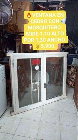 VENTANA EN CEDRO CON MOSQUITERO, IMPECABLE ESTADO! MIDE 1,10 ALTO POR 1,30 ANCHO. 5.900