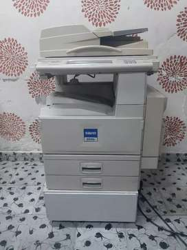 Vendo fotocopiadora sin 2535p