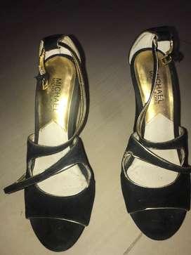 Zapatos negros, michael kors, talla 7