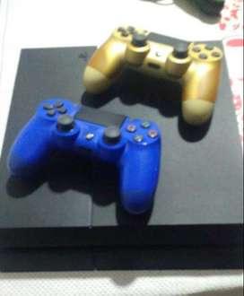 PS4 500g + dos mandos + dos juegos