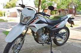 Honda XR 150, 2017. Solo 3200 km. Nueva!!
