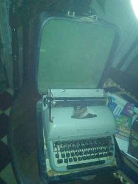 maquina de escribir y otras cosas de hogar