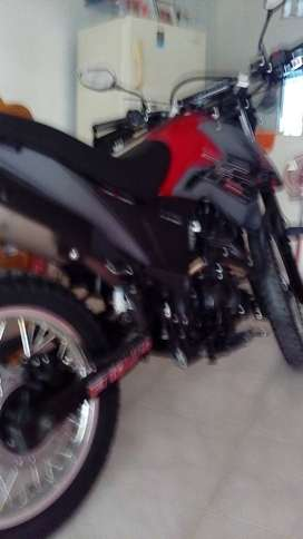 Vendo o cambio moto por vehículo.