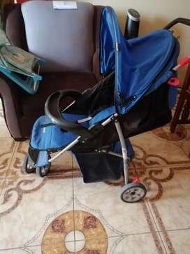 Coche/ mesedora y soporte para baño para bebés