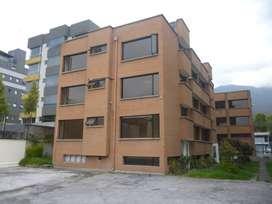 Renta edificio cerca Hospital Vozandes Veracruz y Diguja
