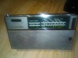 Tonomac Lark 2am Oc Vintage Radio