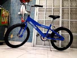 Bicicleta bmx olmo sin uso casi nueva rodado 20 lista para andar