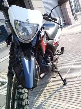 Motomel Skua 200 V6
