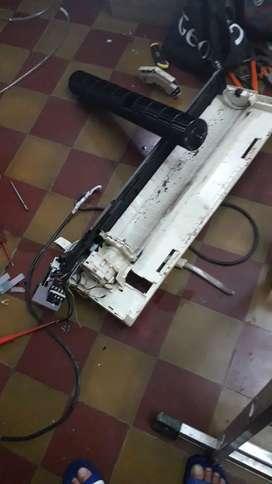 Electrisista matriculado. Colocación de aire acondicionado