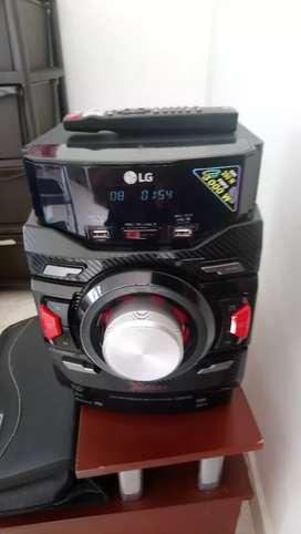 Sonido LG modelo Cm4350 3000w pmpo