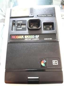 Vendo cámara Instantánea KODAK EK160EF