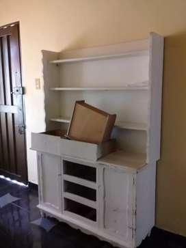 Biblioteca en madera cominillo