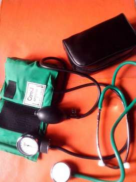 Tensiometro y estetoscopio
