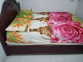 Vendo hermosa cama pura madera en buen estado.